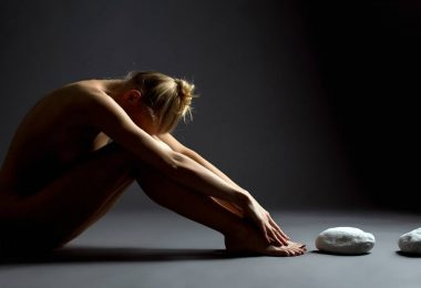 How to Give a Healing Tantric Yoni Massage to a Woman